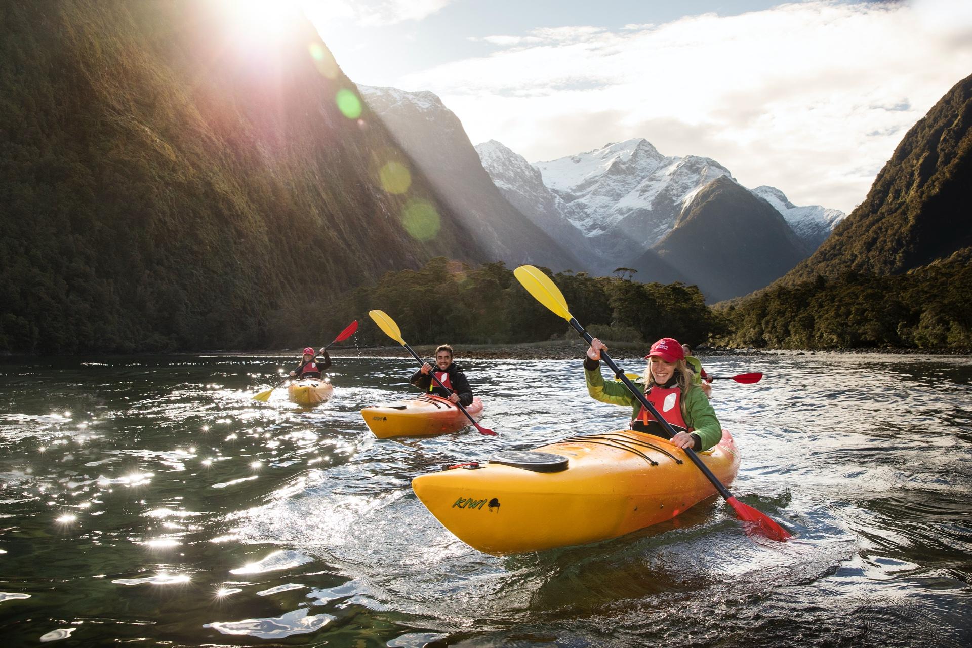 Cruise & Kayak