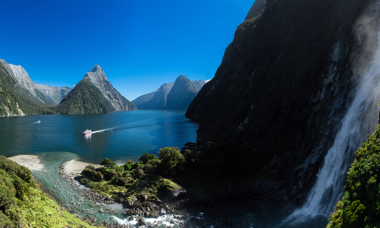 Milford Sound | Southern Discoveries